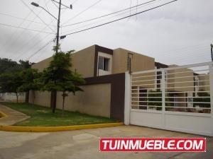 Mls 18-8103 Townhouses En Venta Isabel Barrios