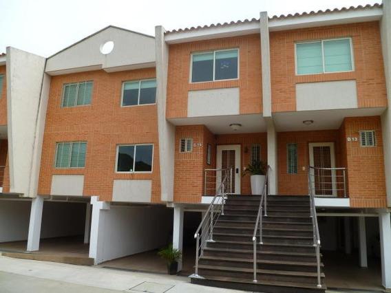 Townhouse En Venta La Trigal Norte Valencia 20-3779 Gz
