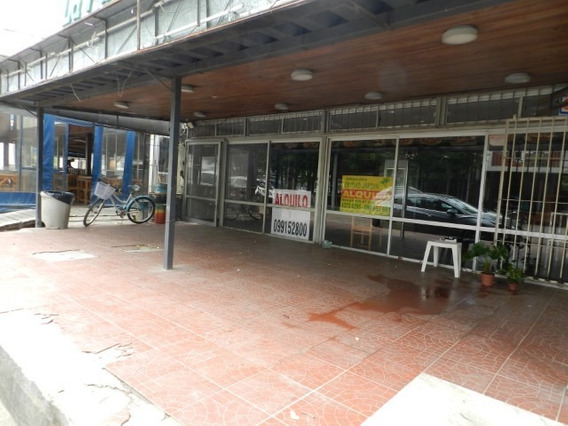 Atlantida Centro Local Para Chivitería O Gastronomía