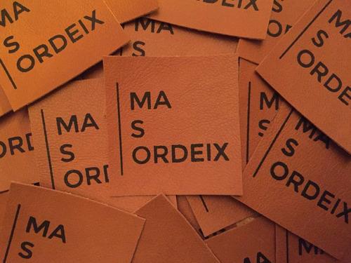 Etiquetas Eco-cuero Realizadas En Serigrafia.