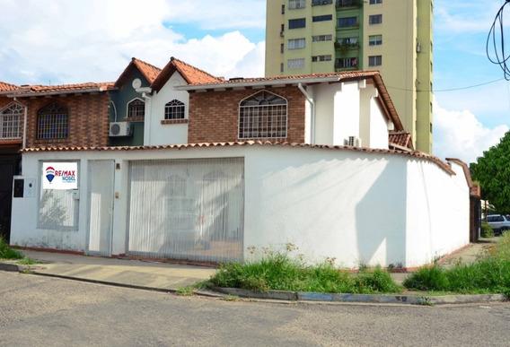 Hermosa Casa Residencia Los Rubenes