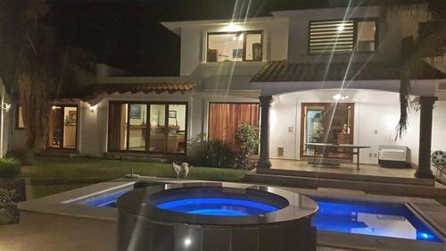 Hermosa Casa Con Alberca En Pueblo Nuevo