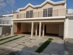 Citymax Vende Casa En Zona 16