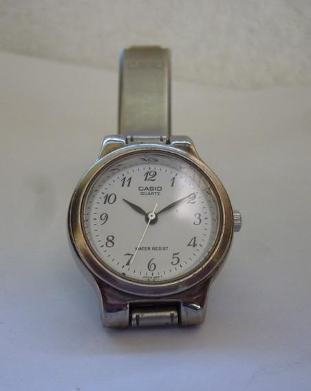 Relógio Casio Quartz Feminino
