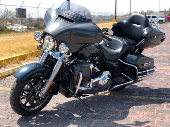 Harley Davidson Street Glide 1800