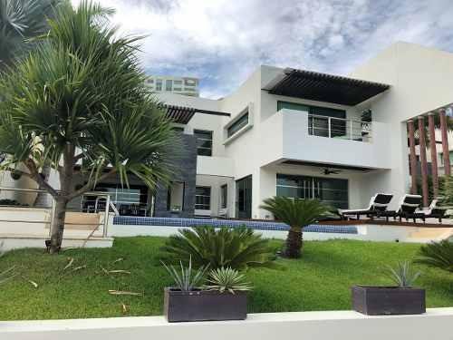 Residencia En Venta, Zona Exclusiva!!!!