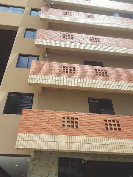 Apartamento En Los Mangos, Res. Ramses Ix. Ida564