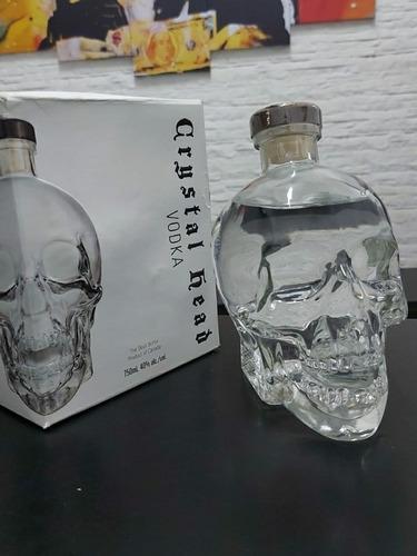 Imagem 1 de 2 de Vodka Crystal Head