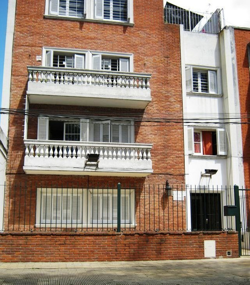 Alquiler Apartamento De Dos Dormitorios Con Patio