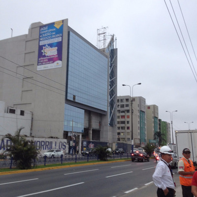 Alquiler De Local Comercial En Chorrillos - Cc. Galaxy Plaza