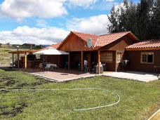 Parcela De Agrado, Con Cabaña Para 13 Personas , Piscina,