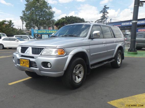 Mitsubishi Nativa 3000