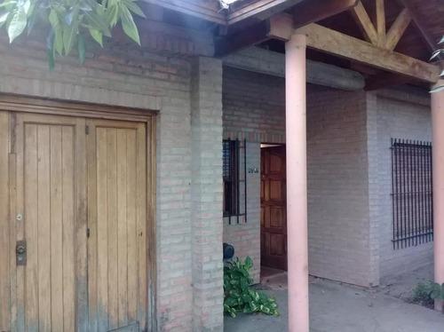 Casa Venta  2 Dormitorios - 10 X 35  - City Bell