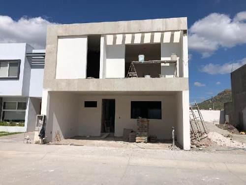 Casa En Venta En Villas De Bernalejo (tabora Ii)