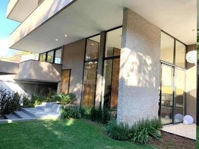 Casa En Venta En Bosques De Las Lomas Con Jardín Y Terraza, Cdmx