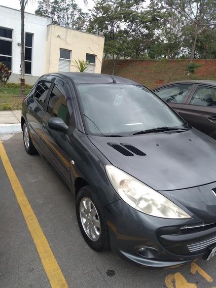 Peugeot 207 1.4 Xr Sport 10 Anos Flex 5p 2011