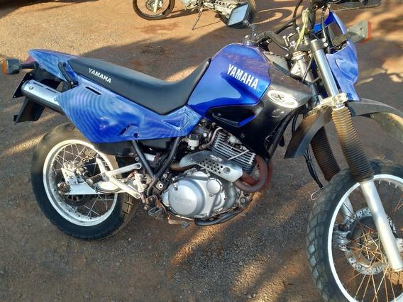 Yamaha 600cc 2004 Azul - Aceita Troca