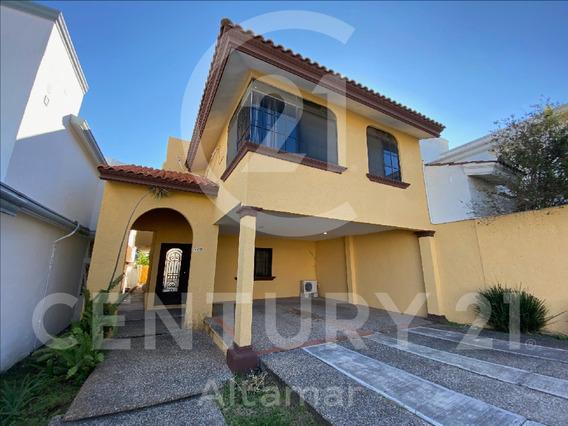Casa En Renta En Fracc. Privado, Las Villas, Tampico, Tamps.
