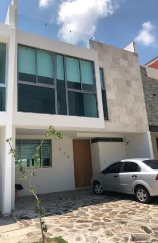 Hermosa Residencia En En Venta En Valle Imperial En Guadalajara