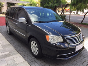 Chrysler Town & Country 3.6 Limited 5p Impecável