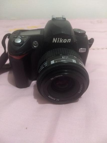 Câmera Nikon D70