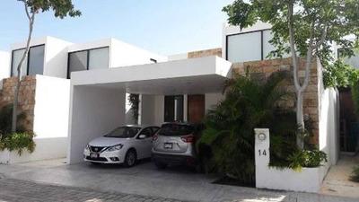 Hermosa Residencia Dentro De Privada Exclusiva De Temozon, Cerca Del City Center
