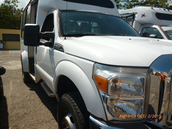 Autobus Super Duty 4x4. 2012 Impecable. Exelente