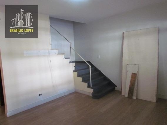 Sobrado Com 03 Dormitórios Próximo Ao Museu | M2319