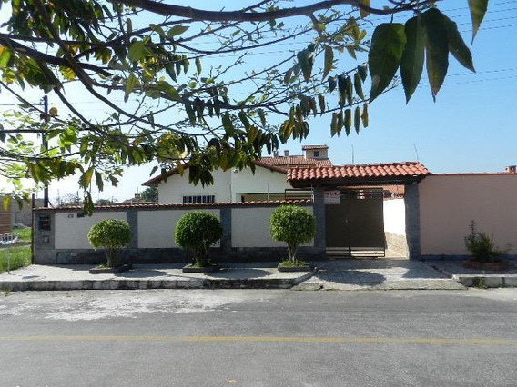 Casa Para Venda Em Porto Real, Village, 3 Dormitórios, 1 Suíte, 1 Banheiro, 4 Vagas - 010079_1-1121155