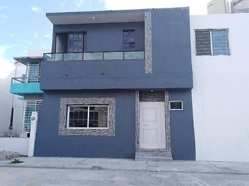 Casa En Renta Circuito Beneti, Fraccionamiento Las Orquideas., Buena Vista