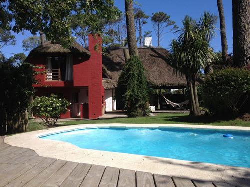 Pinares, 4 Dormitorios, Piscina, Alquilo, Punta Del Este