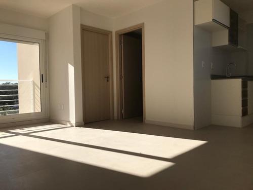 Hermoso Apartamento En Alquiler En Bella Vista A Estrenar 2d