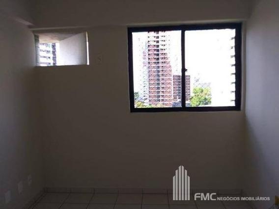 Apartamento Padrão Com 2 Quartos No Edf. Antonio Acaú - Vd1666-v