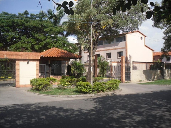 Century 21 Vende Thonwhouse En El Remanso