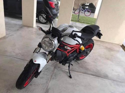 Ducati Monster 797 Blanca