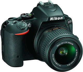 Camara Nikon D5500 Touchscreen 24.2 Mp + 18-55mm F/3.5 Vr Ii