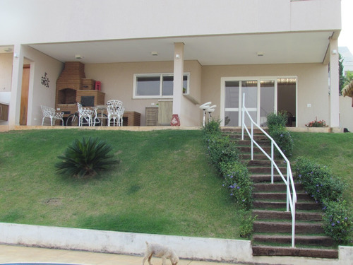 Imagem 1 de 14 de Casa Em Condomínio Fechado A Venda!