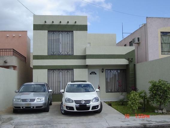 Casa En Venta En Francisco De Montejo, Cerca De Plaza Galerías, En Mérida.