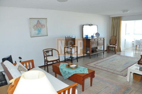 Apartamento En Brava, 2 Dormitorios  -ref:5924