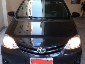 Toyota Etios Sedán Sedan 1.5x 2014/2014