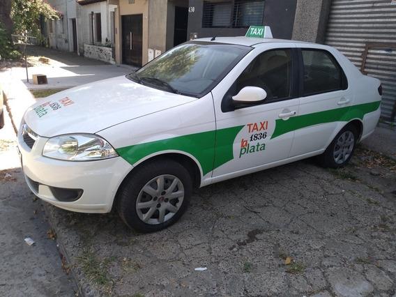 Taxi Siena En La Plata Listo Para Trabajar.