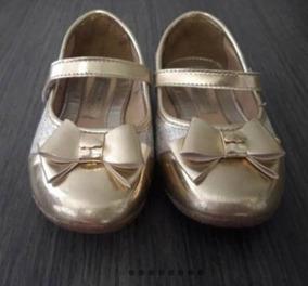 2 Pares De Sapato E 1 Sandália