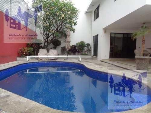 Venta De Casa En Fraccionamiento En Lomas De La Selva Al Norte De Cuernavaca