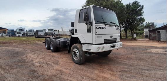 Ford Cargo 2628 Traçado 6x4 No Chassi -mecanismo Operacional