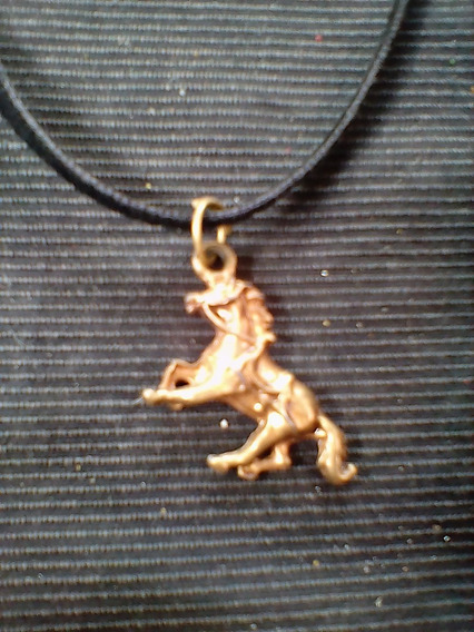 Colar Cordão Couro Pingente Cavalo Folheado Ouro Envelhecido