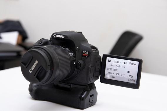 Canon T5i + Lente 18-55 + Grip