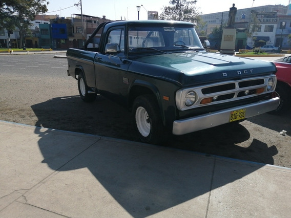 Dodge D-100 -