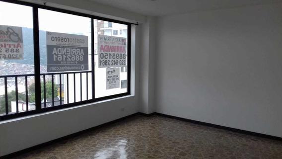 Se Alquila Oficina En La Av. Santander