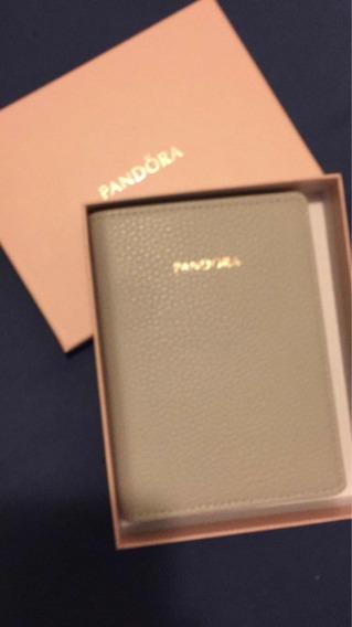 Porta Passaporte Documentos Pandora