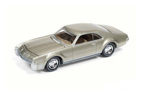 Miniatura Oldsmobile Toronado 1967 1:64 Johnny Lightning